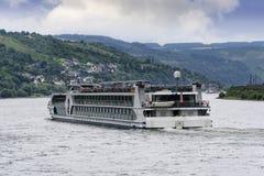 Rzeczna łódź na Rhine rzece Fotografia Royalty Free