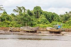 Rzeczna wirh łodzi wioska Zdjęcie Royalty Free