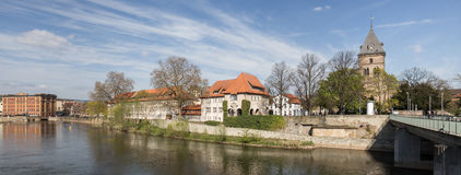 rzecznej sceny miasta historyczny hameln Germany Zdjęcia Stock