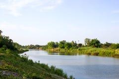 Rzeczny brzeg krajobraz Zdjęcie Royalty Free