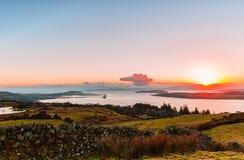 Rzeczny Clyde Nad Huntertston i Arran w odległości Zdjęcie Royalty Free