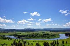 Rzeczny Dolinny i wzgórza Zdjęcie Royalty Free