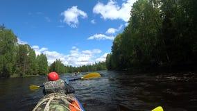 Rzeczny flisactwo kayaking Pokonywać wodnych gwałtownych łodzią Wiosłować sprzężonego paddle sporty ekstremalne rywalizacje targe zbiory wideo