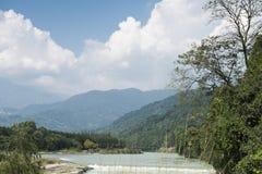 Rzeczny góra krajobraz Obraz Royalty Free