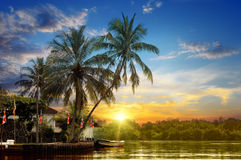 Rzeczny i piękny wschód słońca Fotografia Royalty Free