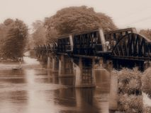 Rzeczny Kwai most w Sepiowym zdjęcie stock
