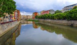 Rzeczny Onyar w Girona Hiszpania Zdjęcie Royalty Free