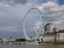 Rzeczny Thames i Londyński oko Zdjęcia Royalty Free