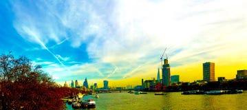 Rzeczny Thames jesieni Londyński nastrój Zdjęcia Royalty Free