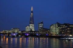 Rzeczny Thames, Southwark most czerep, Londyn Zdjęcia Stock