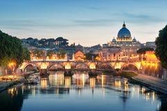 Rzeczny Tiber Rzym, Włochy, - Zdjęcie Stock