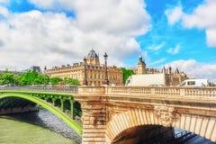 Rzeczny wonton, archiwum Paryski Handlowy sąd i most o, Zdjęcia Royalty Free