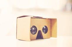 Rzeczywistość wirtualna kartonu szkła fotografia stock