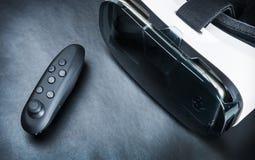 Rzeczywistości wirtualnej pilot do tv dla gier i szkła Zdjęcie Royalty Free
