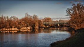 Rzeka i brigde Zdjęcie Stock