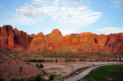 Rzeka i góra Zdjęcia Royalty Free
