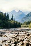 Rzeka i góry, Denny oko, Polska, Zakopane Fotografia Royalty Free