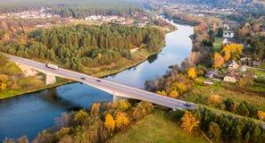 Rzeka i wieś Obraz Royalty Free
