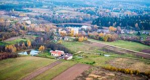 Rzeka i wieś Fotografia Stock
