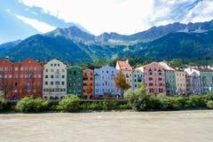 Rzeka, kolory i góra, fotografia royalty free