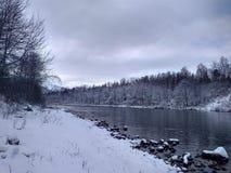 rzeka śnieg obrazy stock