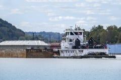 Rzeka Ohio holownika łódź Zdjęcia Royalty Free