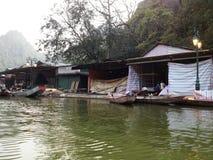 Rzeka Perfumować pagodę w Hanoi, Wietnam, Azja Zdjęcia Stock