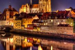Rzeka przód Danube rzeka w Regensburg, Niemcy zdjęcie royalty free