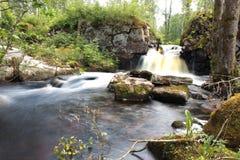 Rzeka przez ruin ściana Zdjęcia Stock