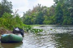 Rzeka przy lato deszczu dniem Zdjęcia Royalty Free