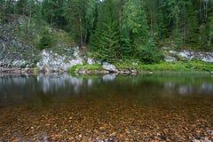 Rzeka wśród skał Zdjęcie Royalty Free