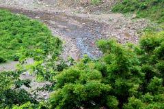 Rzeka w pasmie górskim Obrazy Royalty Free