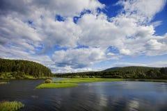 Rzeka w Urals zachmurzone niebo Obrazy Royalty Free