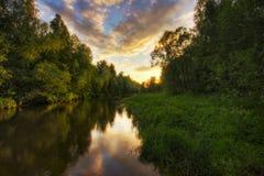 rzeka wiosenny zachód słońca Fotografia Royalty Free