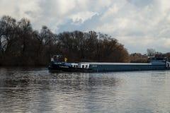Rzeka z łodzią -4 Fotografia Royalty Free