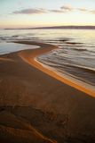 Rzeki plaża w jesieni. Natura skład. Zdjęcie Stock