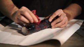Rzemieślnik kolorystyki skóry pokrywa robić mię rocznikowi zbiory wideo