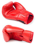 Rzemienna bokserska rękawiczka na białym tle fotografia stock