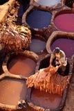 rzemiennej mężczyzna garbarni tradycyjny działanie Zdjęcie Royalty Free