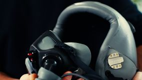 Rzemienny hełm i maska gazowa zbiory