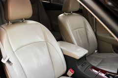 Rzemienny samochodowy siedzenie Samochodowi wnętrze szczegóły obraz stock