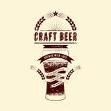 Rzemiosło piwna etykietka Rocznika grunge stylu piwa plakat również zwrócić corel ilustracji wektora Fotografia Stock