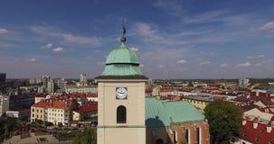 Rzeszow空中市中心在波兰镇2015年8月26st日的中央Ratush 股票视频