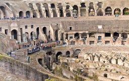 RZYM, ITALY-MARCH 22, 2015: Turyści w Colosseum To jest Unesco światowego dziedzictwa miejsce włochy Rzymu Obraz Royalty Free
