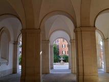 Rzym, kolumnada z łukami zdjęcia royalty free