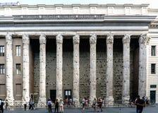 Rzym, Lazio, Włochy Lipiec 25, 2017: Fasada budynek dzwoniący Fotografia Royalty Free