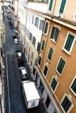 Rzym, Lazio, Włochy Lipiec 20, 2017 Widok z lotu ptaka wąski cobbl Zdjęcie Stock