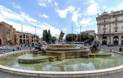 Rzym, Lazio, Włochy Maj 22, 2017: Widok dzwoniący fontanna Zdjęcia Stock