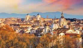 Rzym - linia horyzontu, Włochy Obrazy Stock