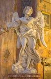 Rzym - marmurowa statua anioł z z nadpisem w kościelnym bazyliki Di Sant' Andrea delle Fratte Bernini zdjęcia stock